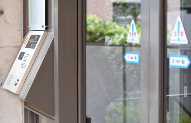 自動ドアに使われる部品の名称と役割